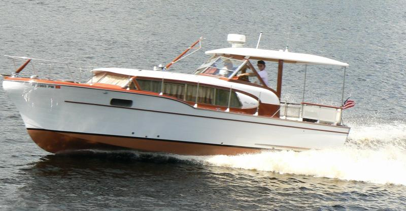 Joest Boats rebuilds 1959 31' Chris Craft Constellation